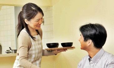 夕食  A型女性の恋愛傾向と心理を考察!性格と相性のよい血液型とは?