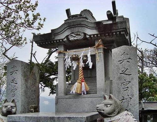 三峰神社 奥宮