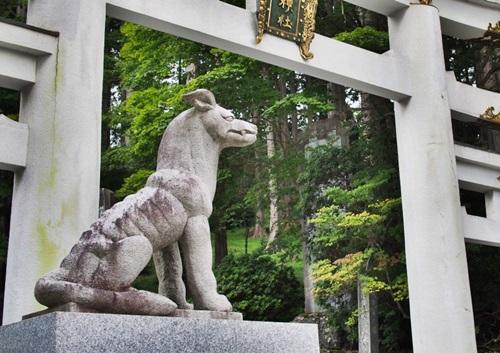 三峰神社 オオカミが神の使い