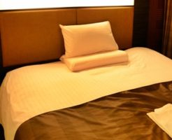 狭いベッド 広げる 寝返り セミダブル