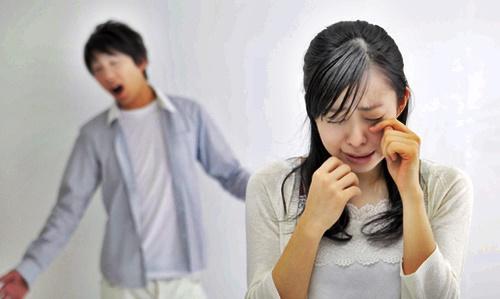 育児に疲れたママを泣かせるパパ