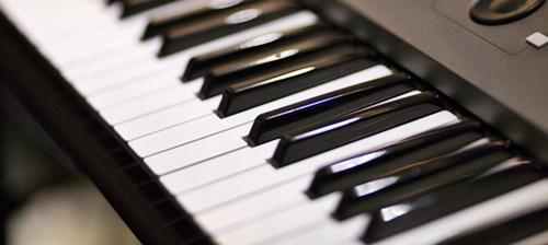 音楽教室の電子ピアノ
